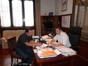 Amaro con el intendente Carlos Enciso. Foto: archivo FD.
