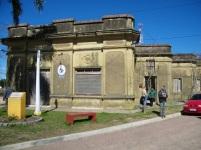 El exterior del lugar de votación.
