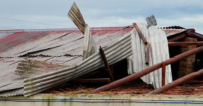 Lluvias y vientos en Florida: hubo voladura de techo en 25 deMayo