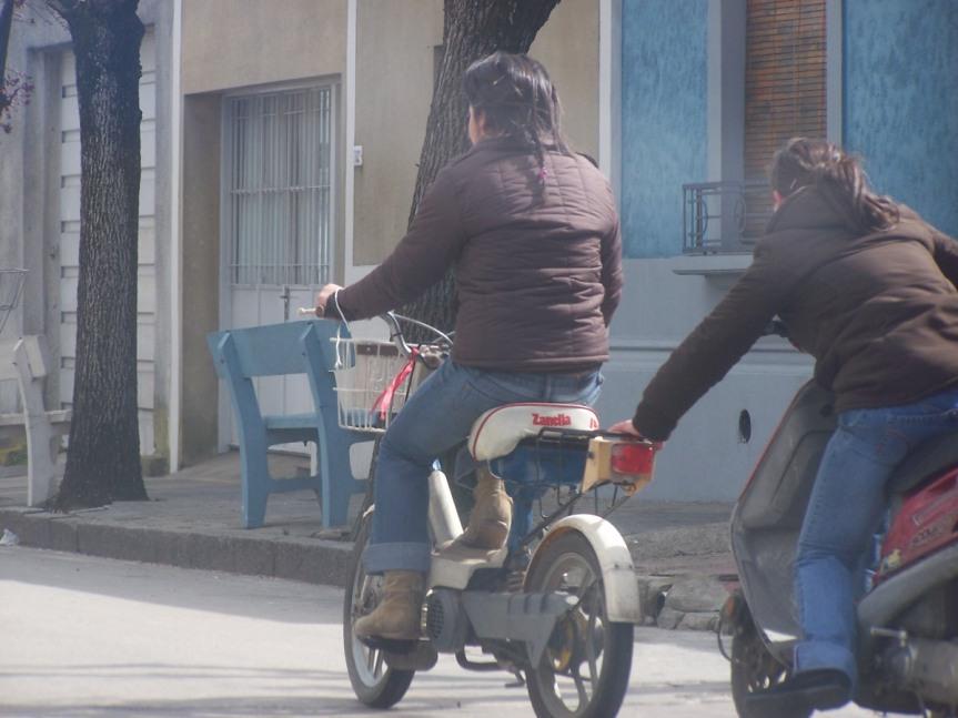 ¿Estás de acuerdo con que motos y otros vehículos no entren más al Prado deFlorida?