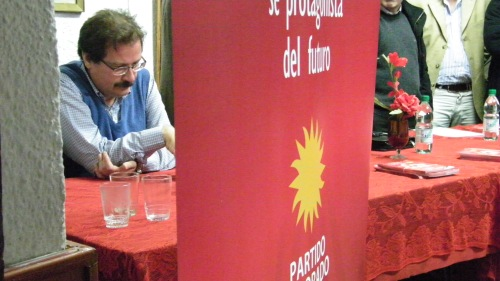 Álvaro Riva, en una presentación del Congreso Ideológico en la Casa del Pueblo. Foto: Archivo FD