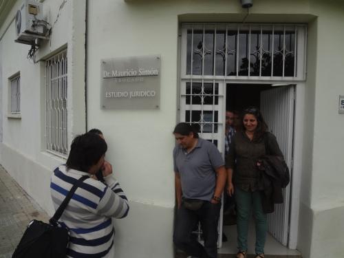 Dirigentes de APU salen del estudio de Mauricio Simón