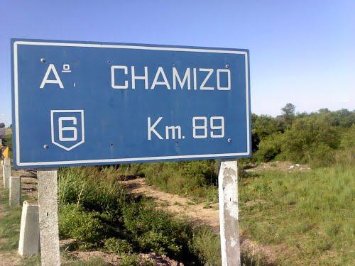 11 heridos al volcar ómnibus en arroyoChamizo