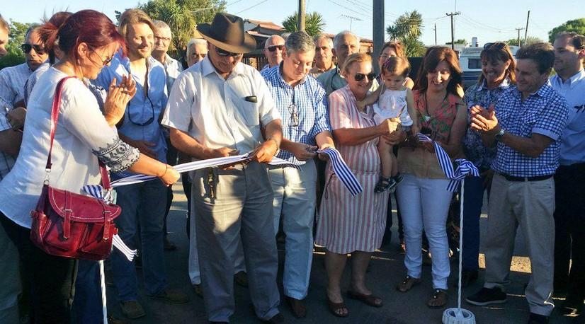 Enciso cortó la cinta de la primera etapa de bituminización en Mendoza con aporte tripartito.
