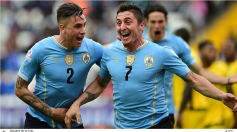Foto portada de FIFA sobre el partido con imagen de AFP