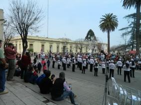 Banda Juvenil en la previa de llegada Desfile Gaucho (FILEminimizer)