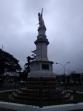 Así aparece, limpia, el monumento a la Independencia en la previa al 25 de Agosto.