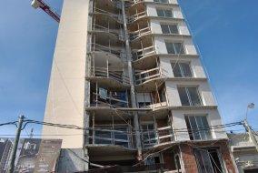 ¿Ocupado? A punto de finalizar obras, el edificio Glam de Florida ya tiene las primeras toallas en los balcones.