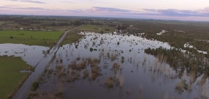 150 desplazados, daños y pasos cortados: lluvias podrían llegar 300 milímetros