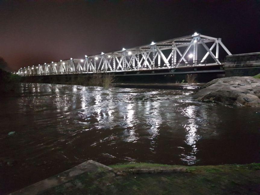 Intendencia cerró puente Piedra Alta por intensacreciente