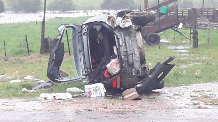 Auto volcó en ruta 5 bajo intensalluvia