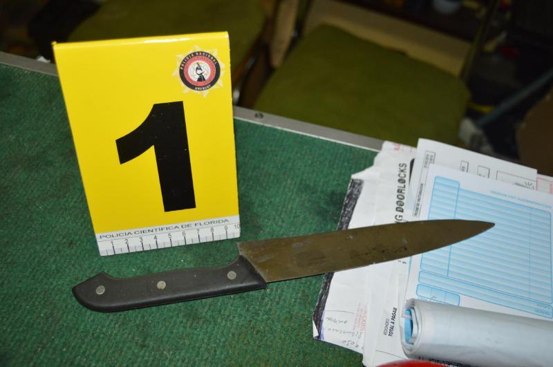 Cuchillo en mano: fue a rapiñar y había unpolicía