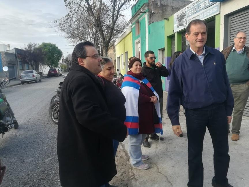 De la cuna: ¿López recibirá primer apoyo extrapartidario?