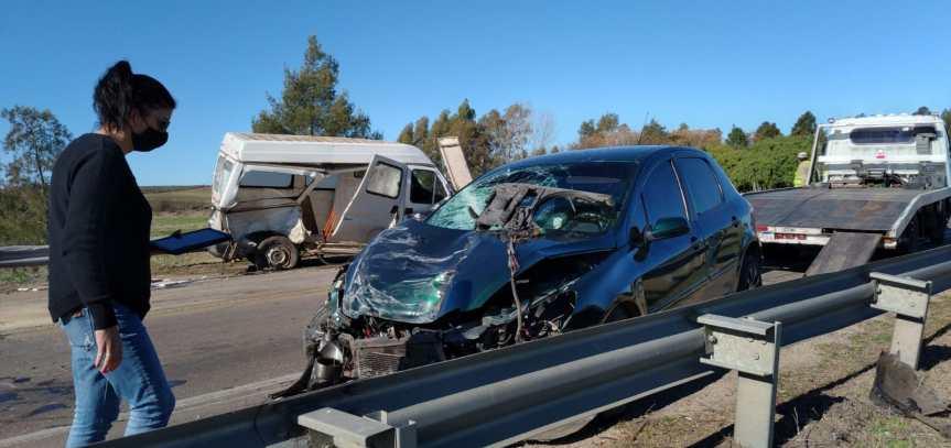 Aparatoso impacto sobre puente en ruta 5: de milagro hubo solo heridosleves